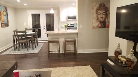 3BR   4k TVs  Fast WiFi   Newly Updated Comfy Beds
