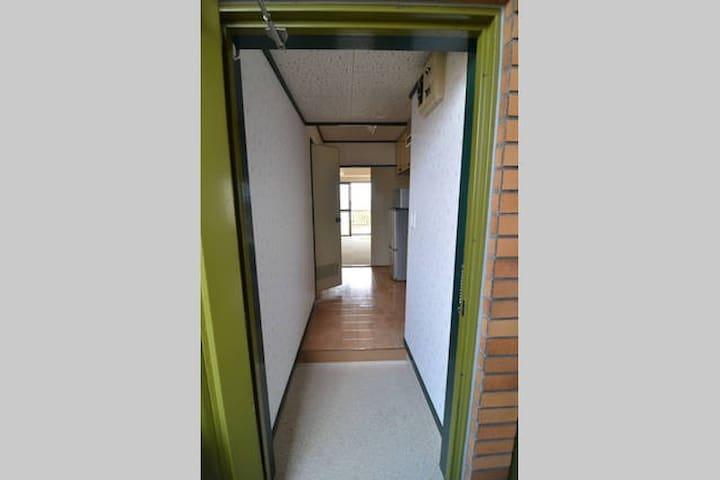 4th floor standard type one room entrance