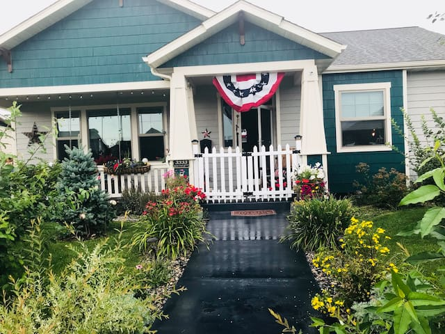 At the secret garden garden we love the Fourth of July come join us for a special treat on the patio