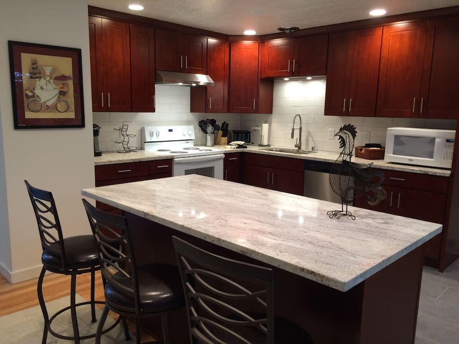 Beautiful Kitchen Granite Counters Large Island
