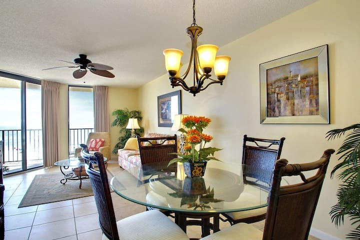Spacious Living and Dining Areas