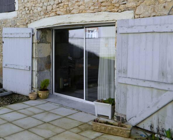 Jolie  2 pieces et terrasse au coeur de la  Brenne - Tournon-Saint-Martin - Apartamento