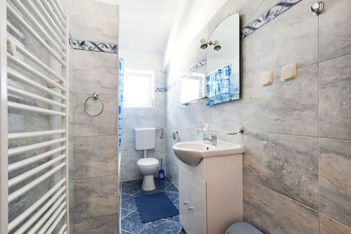 Apartments Milena / One bedroom apt with balcony-Crveni