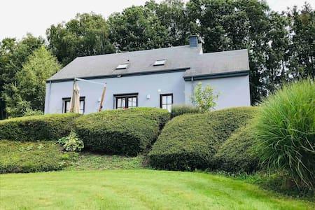 """La maison """"Les Munos"""" une perle en Ardenne belge"""
