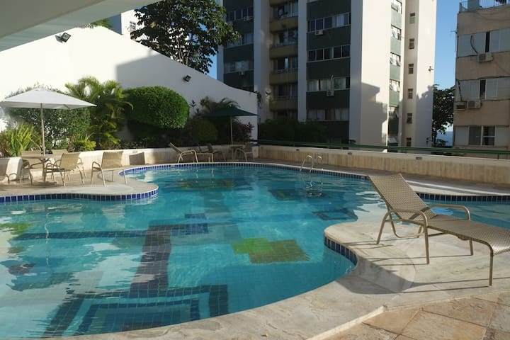 ApartHotel c/ piscina perto de tudo - Salvador