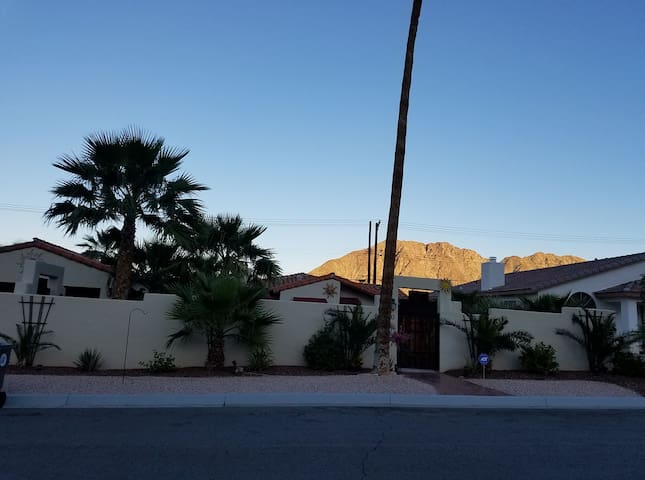 1947 Dream Home ...Make a memory ! - La Quinta - Hus
