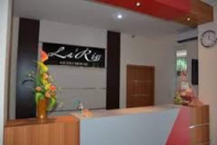 La'Riss Guest House Makassar penginapan eksklusif