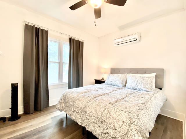 Do you sleep warmer or cooler than your companion in the next room? No worries! With a mini-split A/C & heating system, each guest controls the temperature in their own bedroom via remote control. Ceiling & stand-up fans are in each room, too