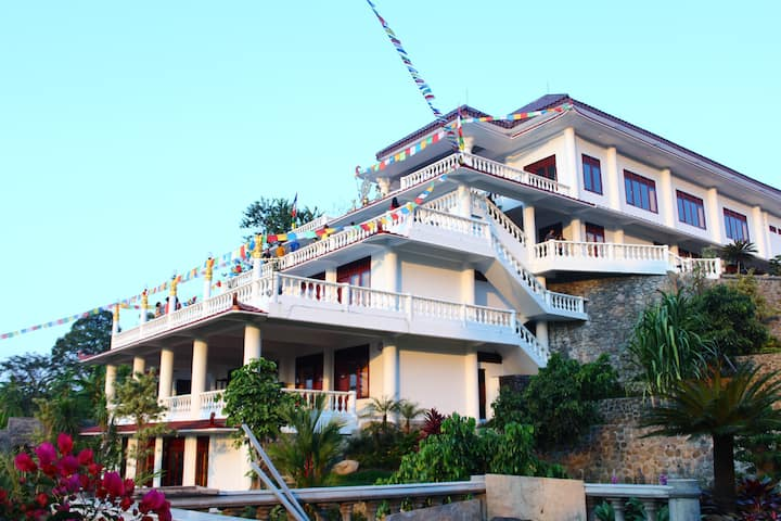 Mountain View Villa Dharma with Garden