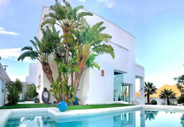 Villa Blanca views & pool