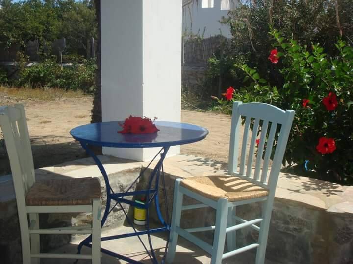 Γκαρσονιέρα κοντά σε παραλία Καλό λιβάδι Μυκόνου
