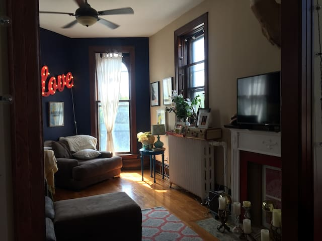 Beautiful West 7th Apartment Near Downtown - Saint Paul - Daire