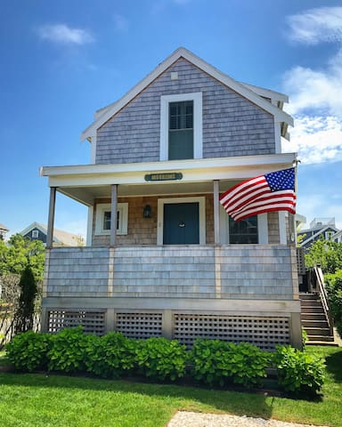 Newly Built Brant Point Cottage