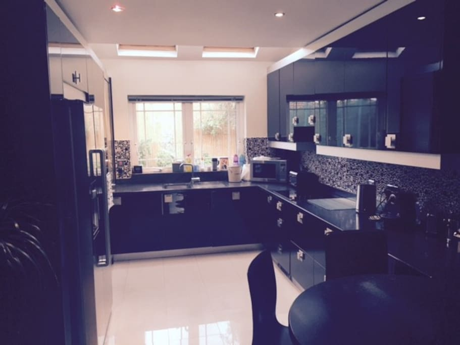 Modern fitted kitchen with all mod cons