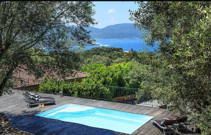 Villa avec 2 chambres vue mer piscine chauffée...