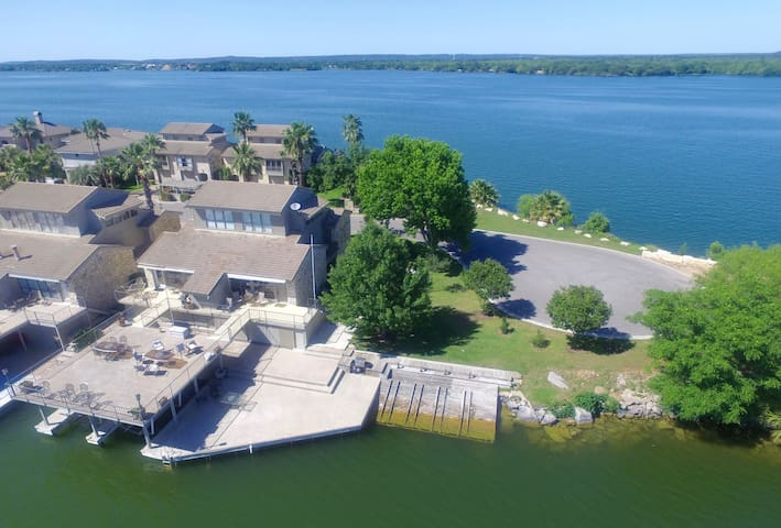 One of a Kind Location Townhouse on Lake LBJ