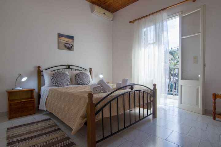 cozy appartment in the heart of Loggos for 2+