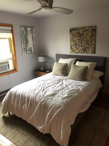 Guest room (bedroom #2) with queen mattress