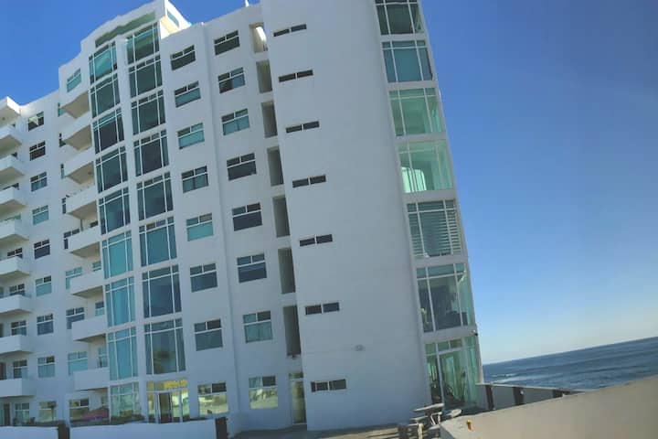SANITIZED OCEANFRONT condo in Playas de Tijuana!