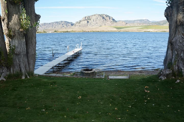 Cottage on the Lake - Osoyoos - กระท่อม