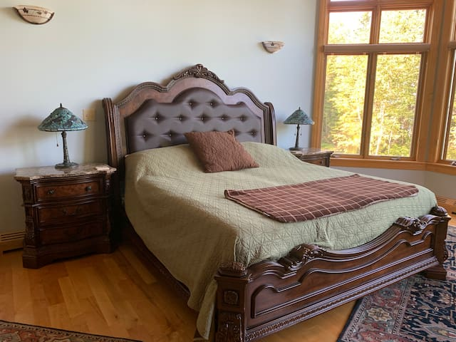 Keweenaw Castle Grand Suite: Perfect Honeymoon