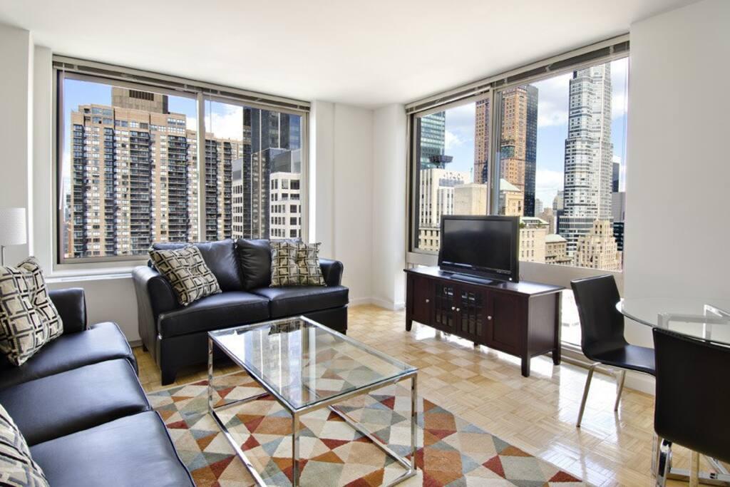 luxurious manhattan 1 bedroom superb midtown apt. Black Bedroom Furniture Sets. Home Design Ideas