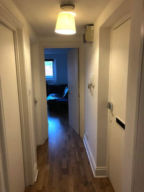 bedroom in clean & well maintained friendly flat