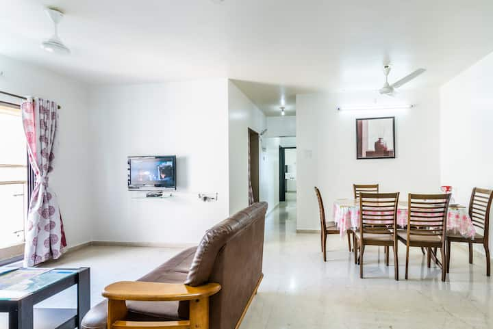3 bhk Furnished room with Luxury Amenities
