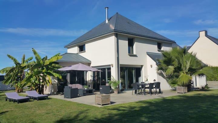 Cosy and modern house 4* near beaches WIFI/WLAN