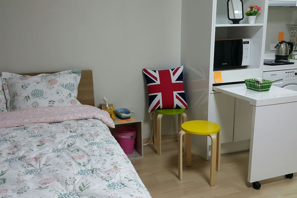"Guest's Review: ""Marie's studio is wonderful. The apartment is very clean. There are all necessary accessories. The apartment is very well located, very close to the metro. We also went for a walk on foot to the river. Thanks Marie"""