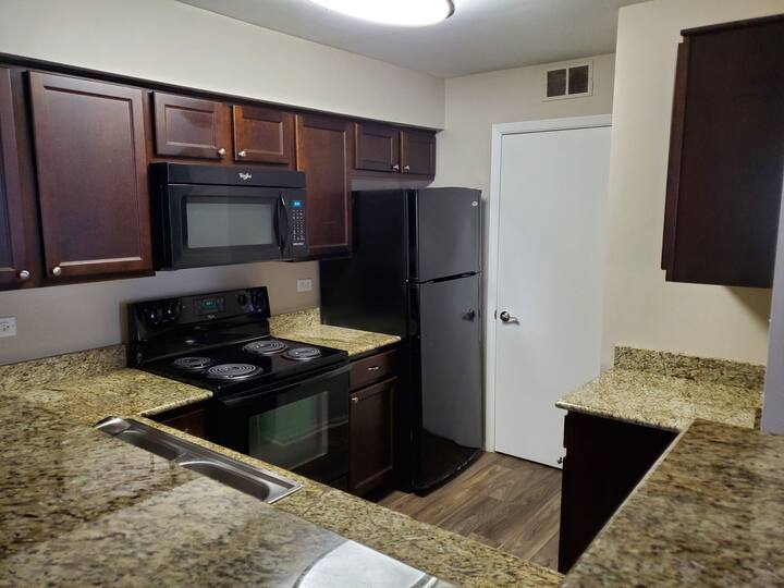 Washer Dryer, Fireplace, Monthly Discounts