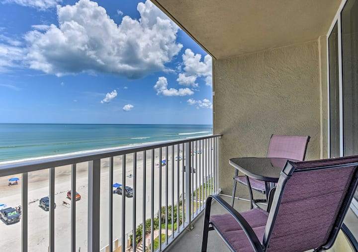 Oceanfront Studio w/ Balcony, Walk to Attractions!