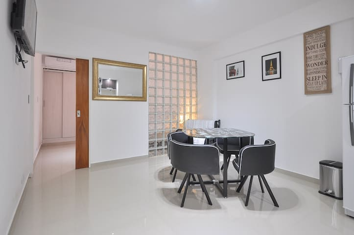 Petit Viamonte Suite. Bellísimo Departamento Nuevo