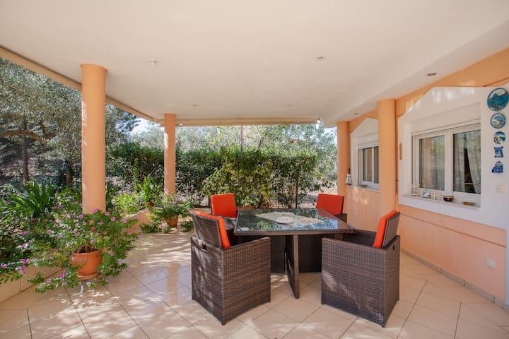 Apartment in Kalivia near Athens Airport & beaches