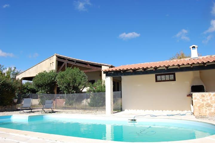 Villa piscine et jacuzzi