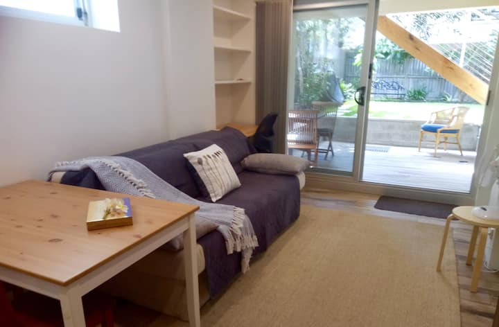 NEW-private, garden unit in Coogee. Pet friendly.