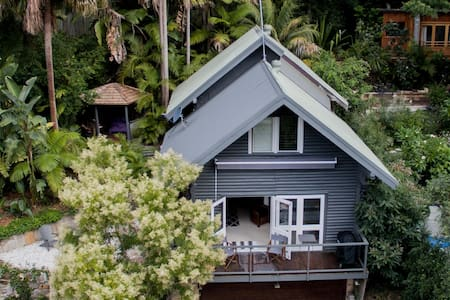 Log Cabin by the Sea - Pittwater - Clareville - Sommerhus/hytte
