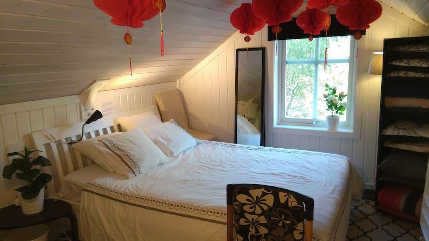 卧室二一标准双人床