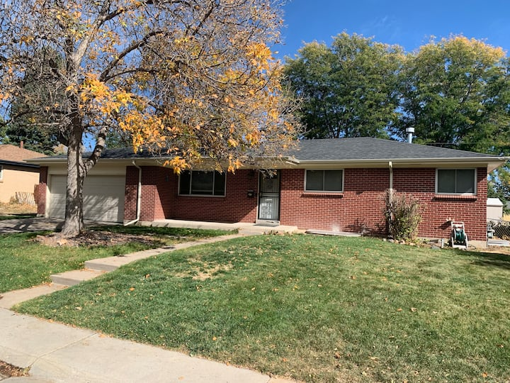 3 Bedroom / 1 Bath home in charming Arvada