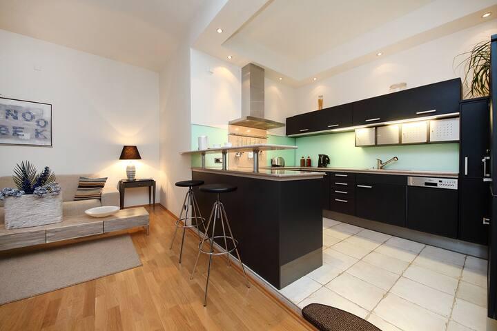 SUPER CENTRE 2 Bed Large Apartment - Praha - Huoneisto