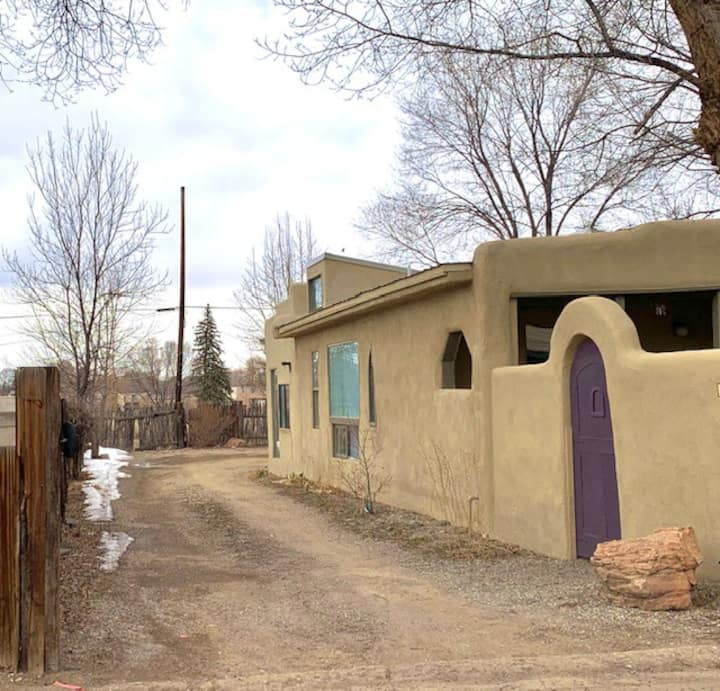 Centrally Located Taos Casita