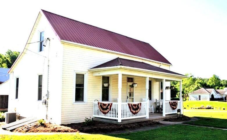 Quaint Rustic Farmhouse
