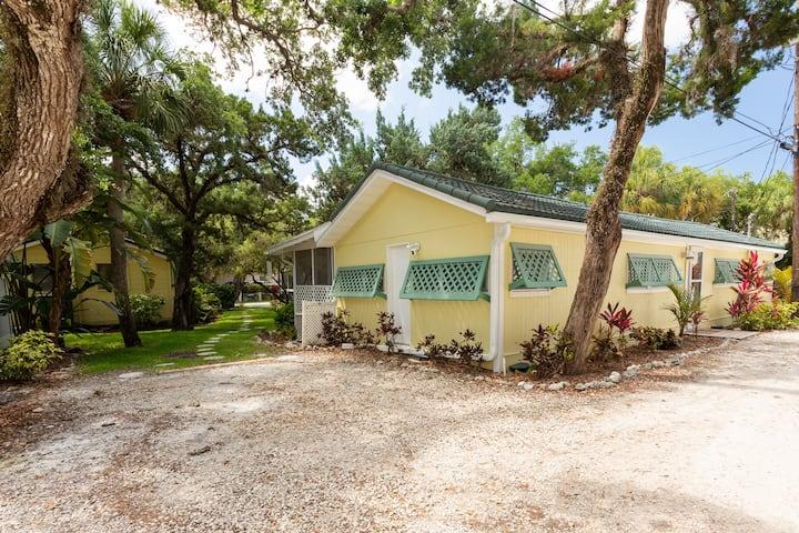 Sunspot Cottage 2BR/2B Getaway w/ private beach