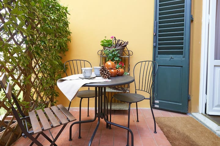 "Your ""green nest"" in the heart of Florence."