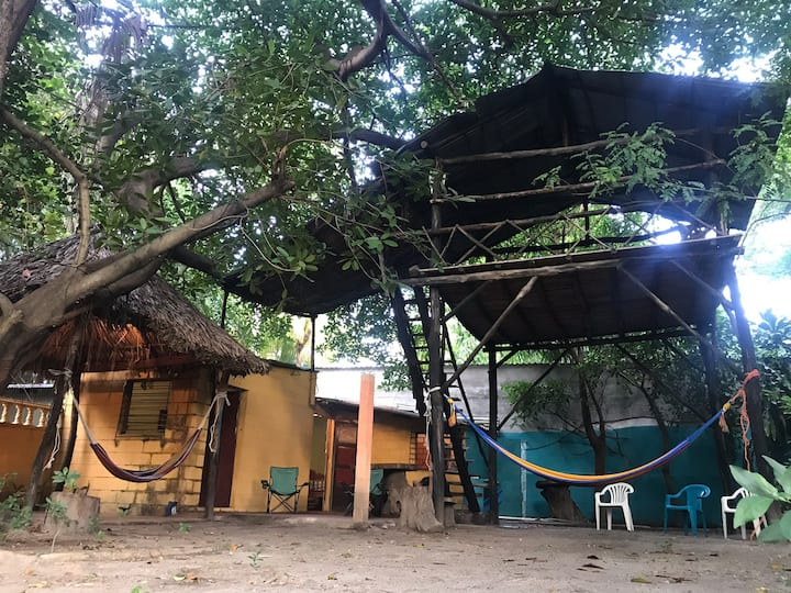 Alquilo Rancho Rústico Único en Playa La Puntilla