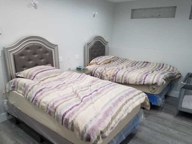 Brand new Luxurious 2 bedroom apt Hoyt street