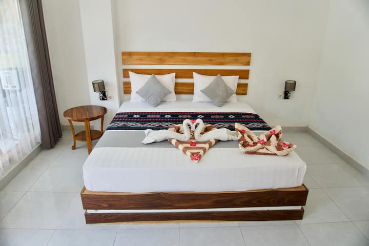 Gili Air - private room with TV, AC  and breakfast