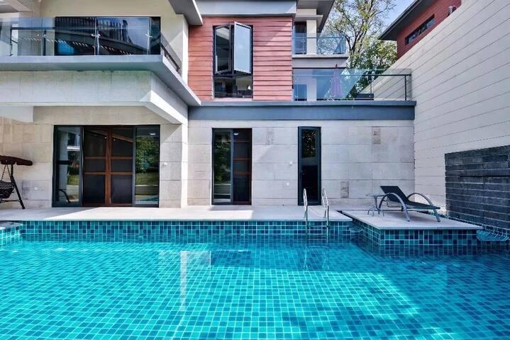 户外70平私家泳池
