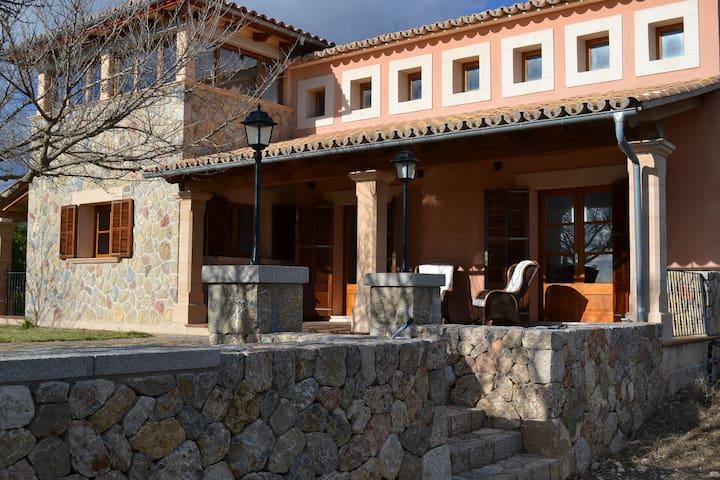 Estupenda casa en las afueras de Santa Maria