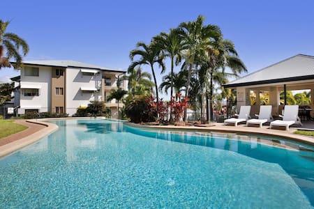 Ocean View Apartment - STRAND, CAFES, BARS, FOOD - Belgian Gardens - Lägenhet